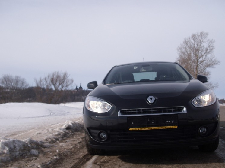 Фото Renault Fluence 1.6i (105Hp) (2011 г.в. 35000 км)