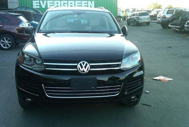 Фото Volkswagen Touareg 3.0L 8AT (2011г. 35000 км)