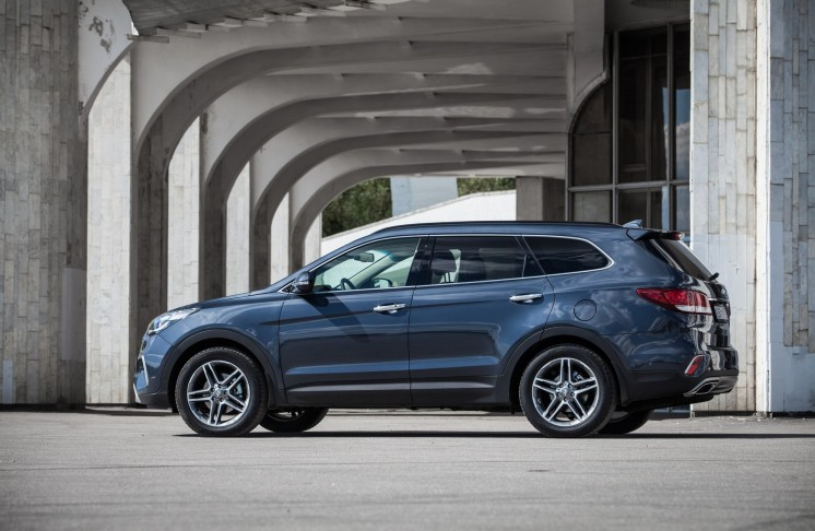 Hyundai Grand Santa Fe 2017 Photo 2