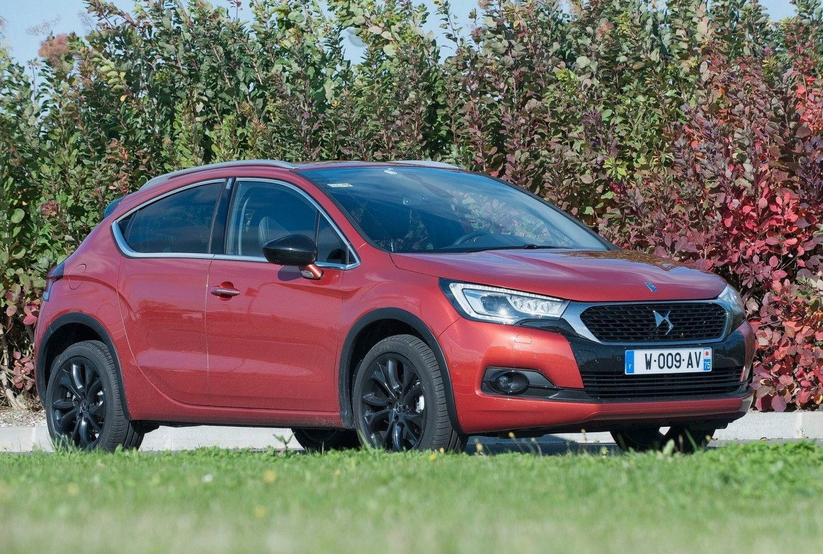 DS 4 crossback 2017 Photo 01