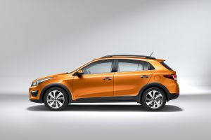 Kia Rio-X-Line Photo 2