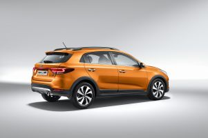 Kia Rio-X-Line Photo 3
